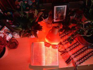 Vörös éjszakai alvást elősegítő LED izzó